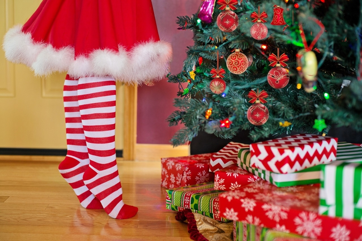 joulukuusen koristelu.jpg